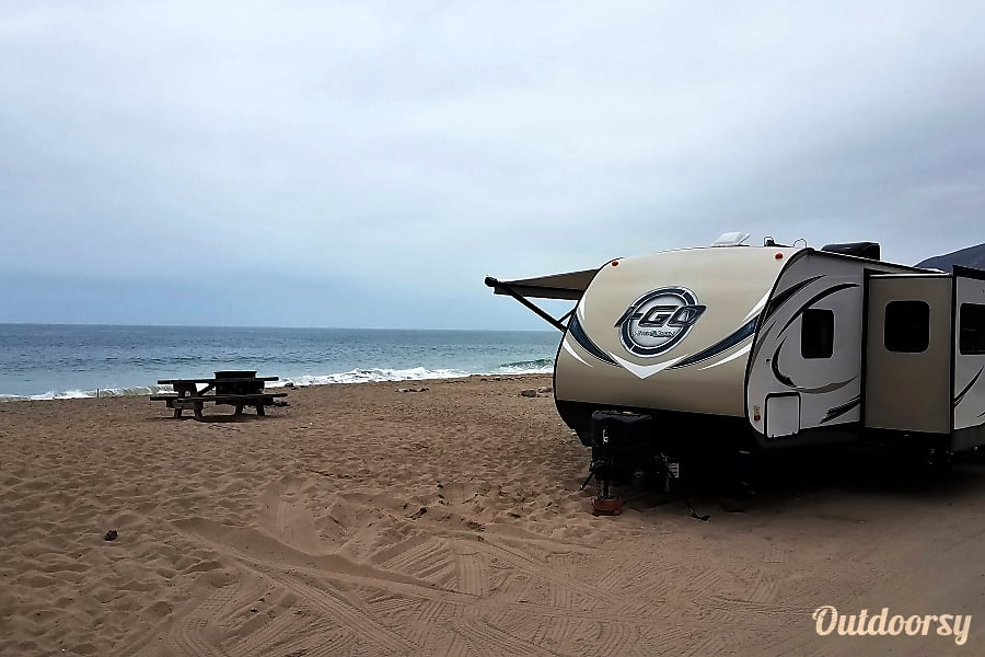 34 ft Travel Trailer for Rent - Includes Complimentary Vacation Fort Collins, CO