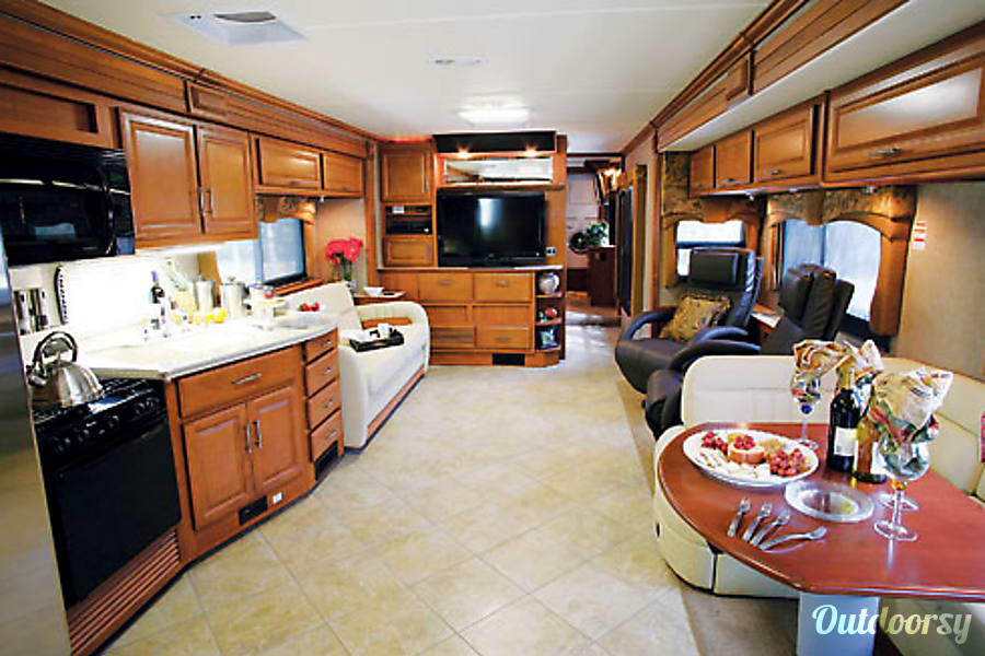 interior Monaco Dynasty 44 ft Glenwood Springs, CO