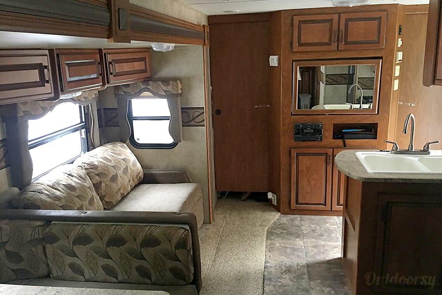 interior 2012 Keystone Laredo Pomfret, VT