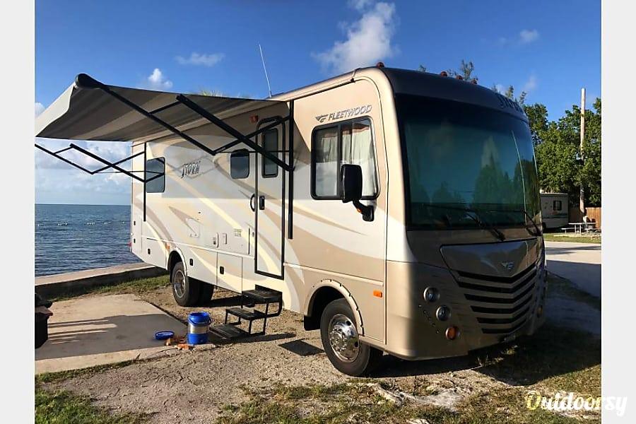 2015 Fleetwood Storm Pompano Beach, FL