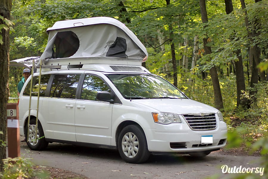 2010 Chrysler Town Amp Country Motor Home Camper Van Rental