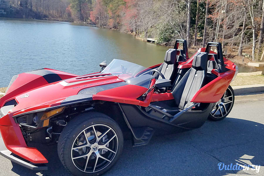 2016 Polaris Slingshot Sl 5 speed Marietta, GA Showoff with friends and family