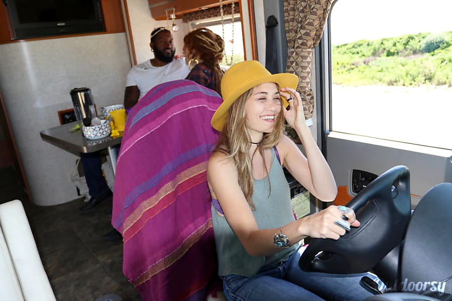 interior 2011 Mercedes Winnebago Via Escondido, California