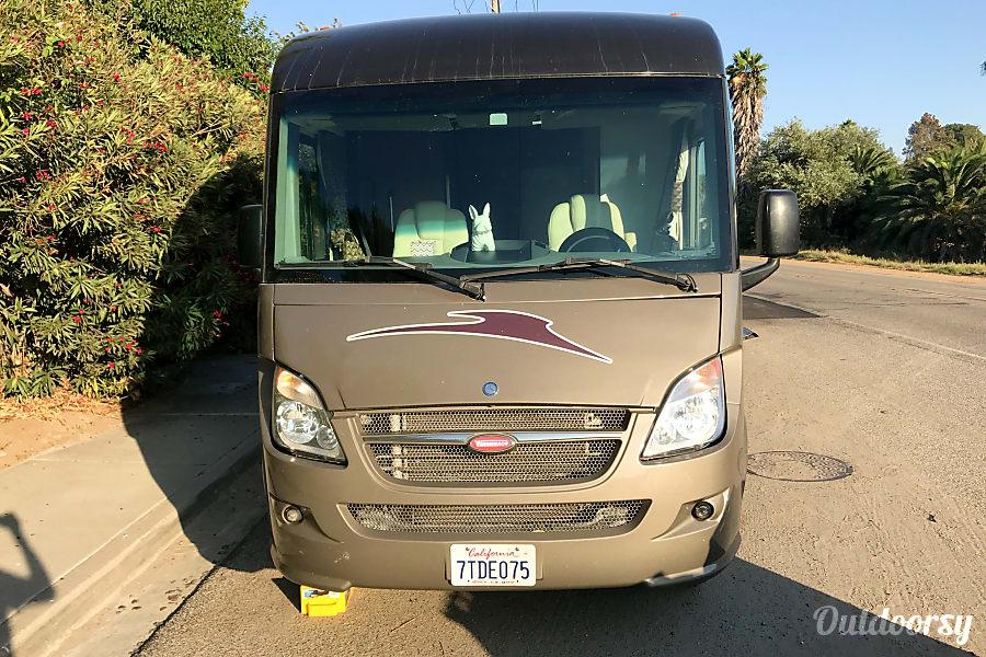 exterior 2011 Mercedes Winnebago Via Escondido, CA
