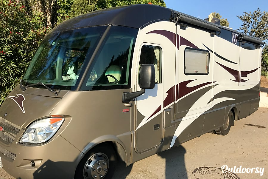 2011 Mercedes Winnebago Via Escondido, California