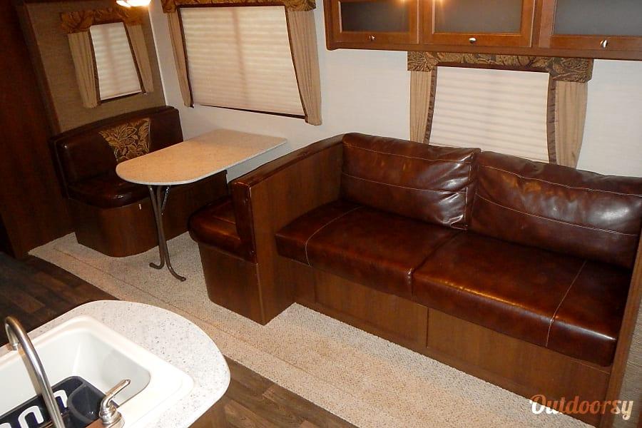 interior 2015 Keystone Bullet 308BHS Newcastle, Oklahoma