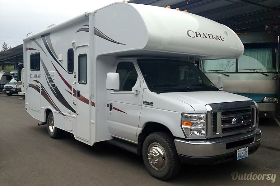 2012 Chateau 24' Class C Puyallup, Washington