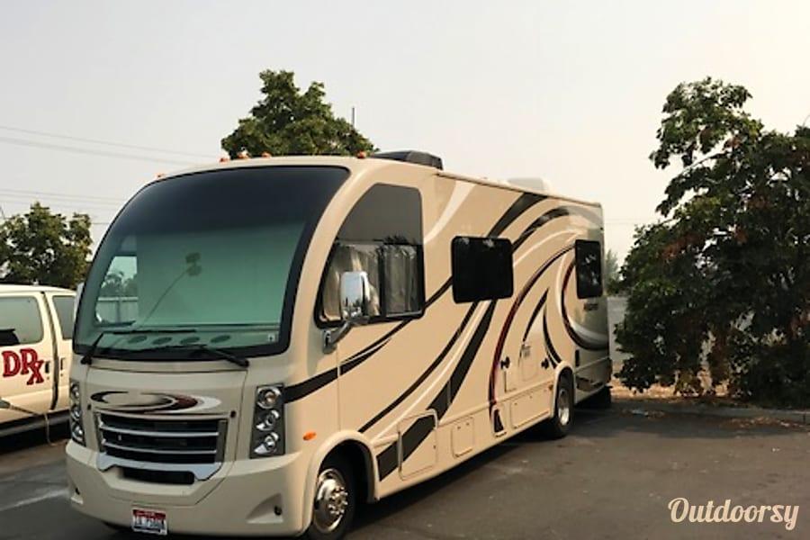 exterior 2015 Thor Motor Coach Vegas Eagle, ID