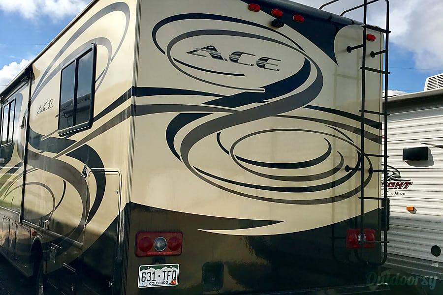 2012 Thor Motor Coach A.C.E Austin, TX