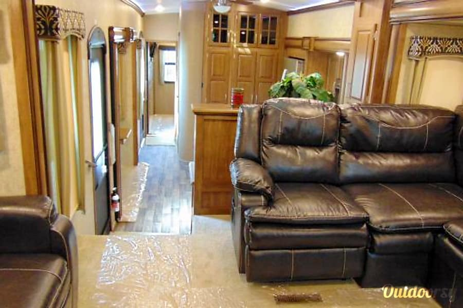 interior 2016 Keystone Montana San Antonio, Texas