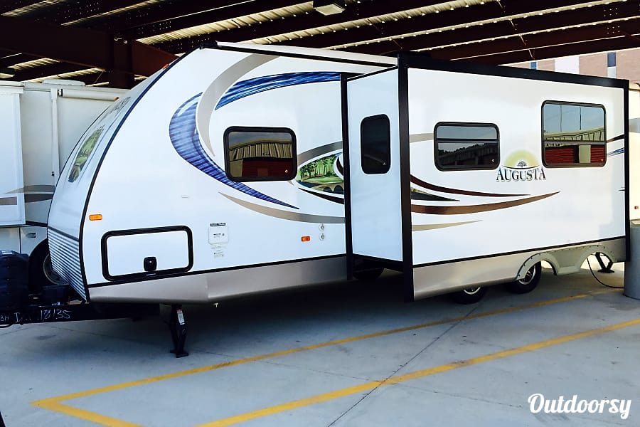 2013 Augusta Rv 28BH (Delivery Available) Shreveport, LA