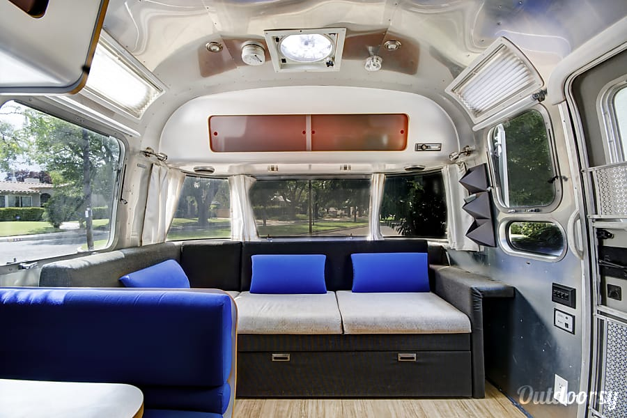 Airstream International Albuquerque, NM Great ceiling height for people over six feet tall.