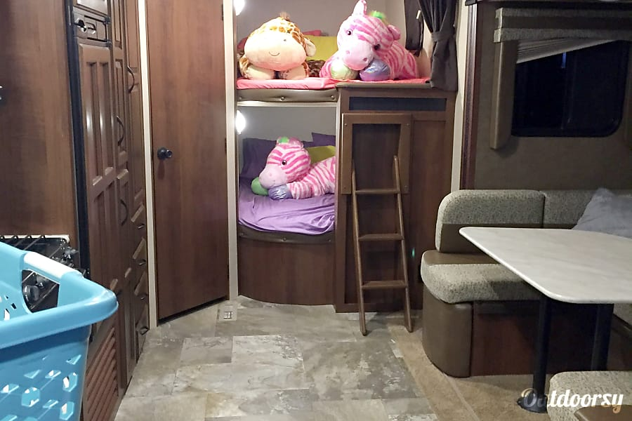 2015 Jayco Jay Flight Sahuarita, Arizona Bunk beds.
