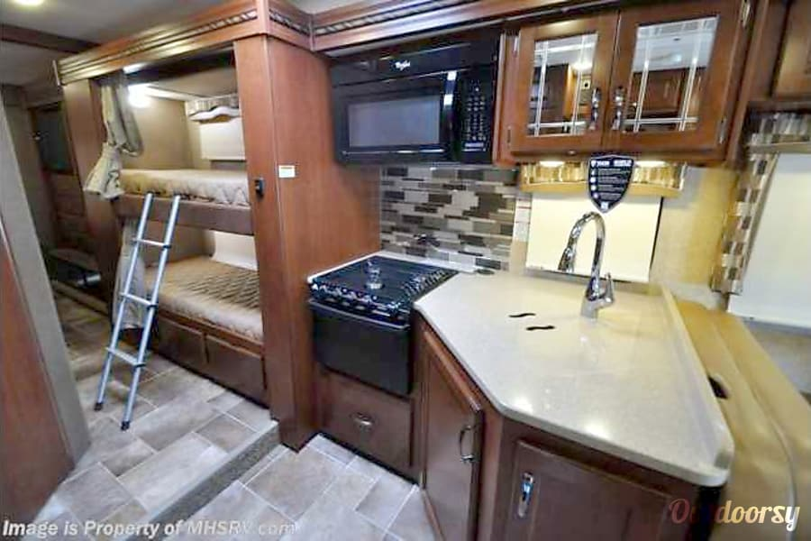 2017 Thor Motor Coach Chateau Denver, CO