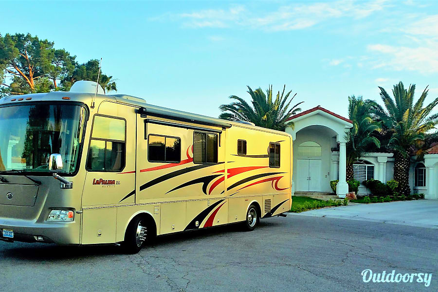 Luxury on wheels Las Vegas, Nevada Very clean well maintained home on wheels