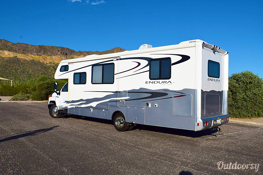 exterior 🚐  2006 Gulf Stream Endura - Treat Yourself to an Adventure  in Style & Safety Gilbert, AZ