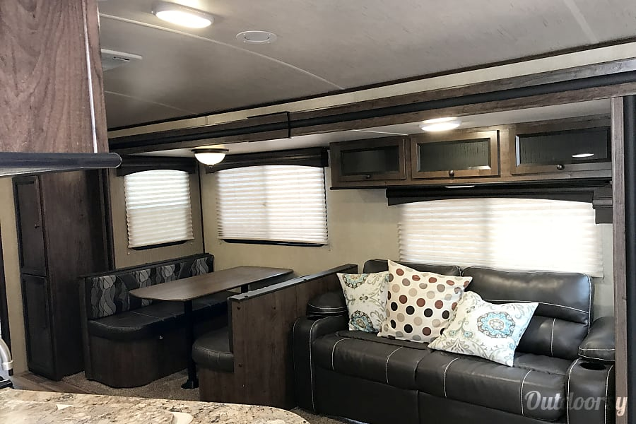 2016 Cruiser RV MPG 3100BH Olympia, Washington