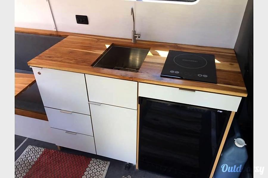"interior ""Paca"" the adventure van  (Mercedes Sprinter 2016) Thousand Oaks, CA"