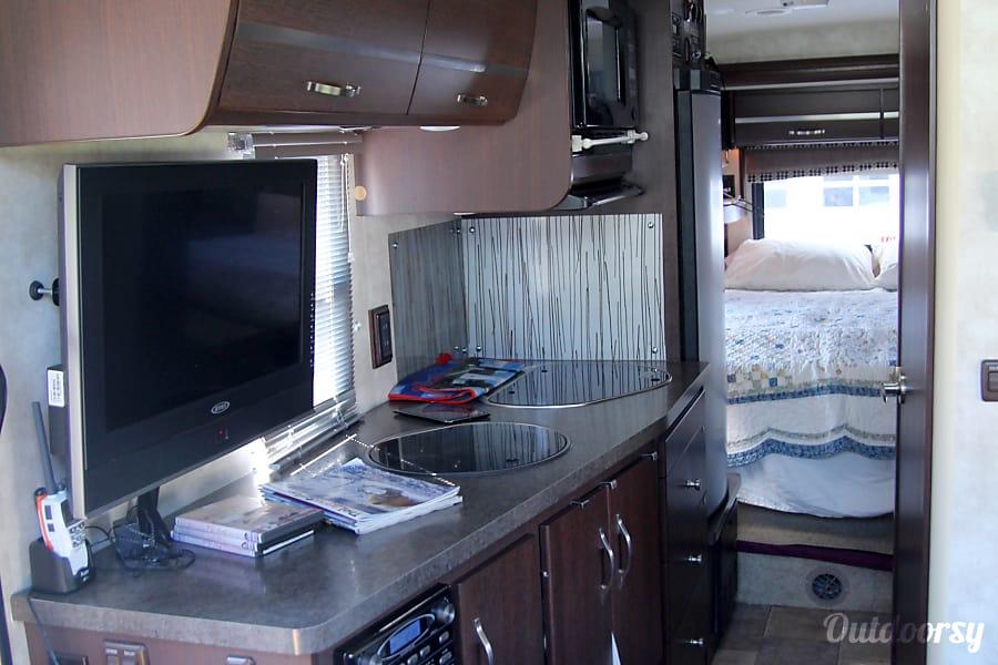 interior 2011 Itasca Navion Huntsville, AL
