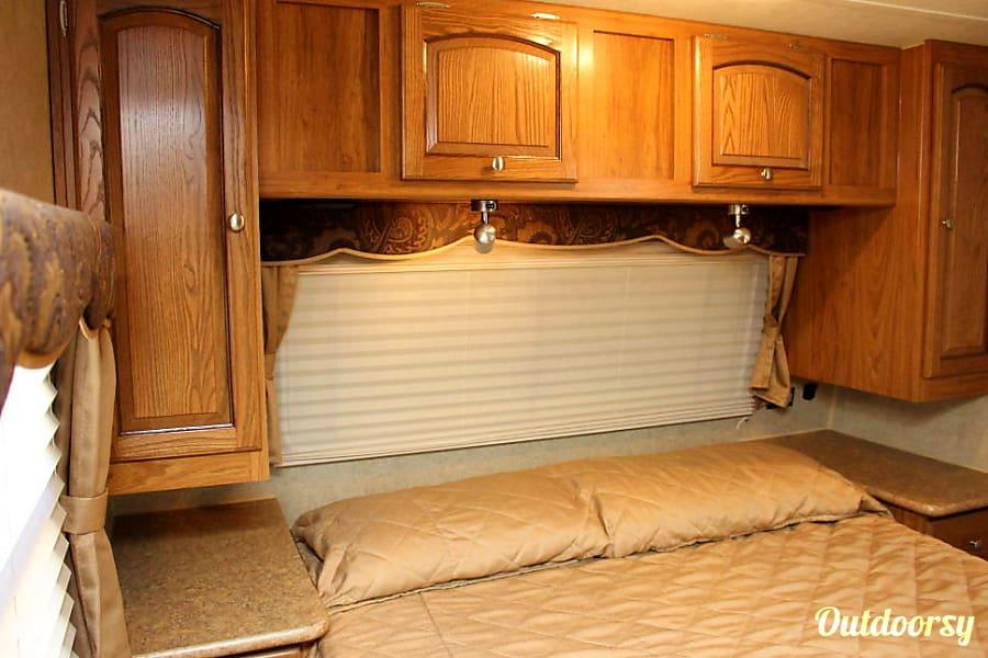 2012 Forest River Rockwood Signature Ultra Plano, Texas master bedroom