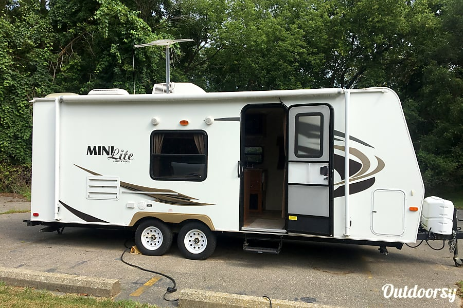 2012 Forest River Rockwood Mini Lite 2306 Waterford Township, MI