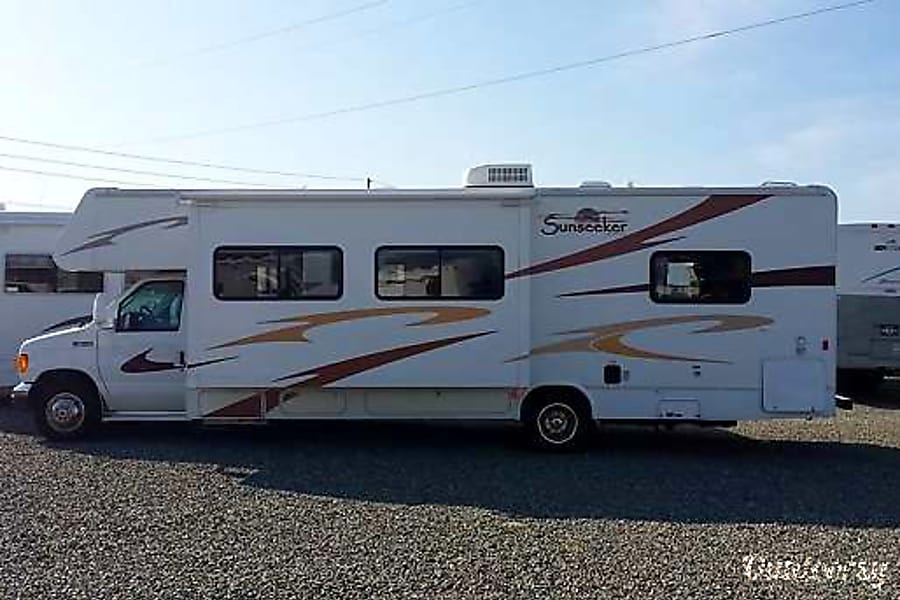 exterior 2007 Forest River Sunseeker Puyallup, WA