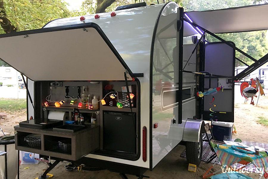 exterior 2017 Winnie Drop 170K/Super Light towable by many mini vans, suv/Outdoor Kitchen + Bunk + slide out! Pinole, CA