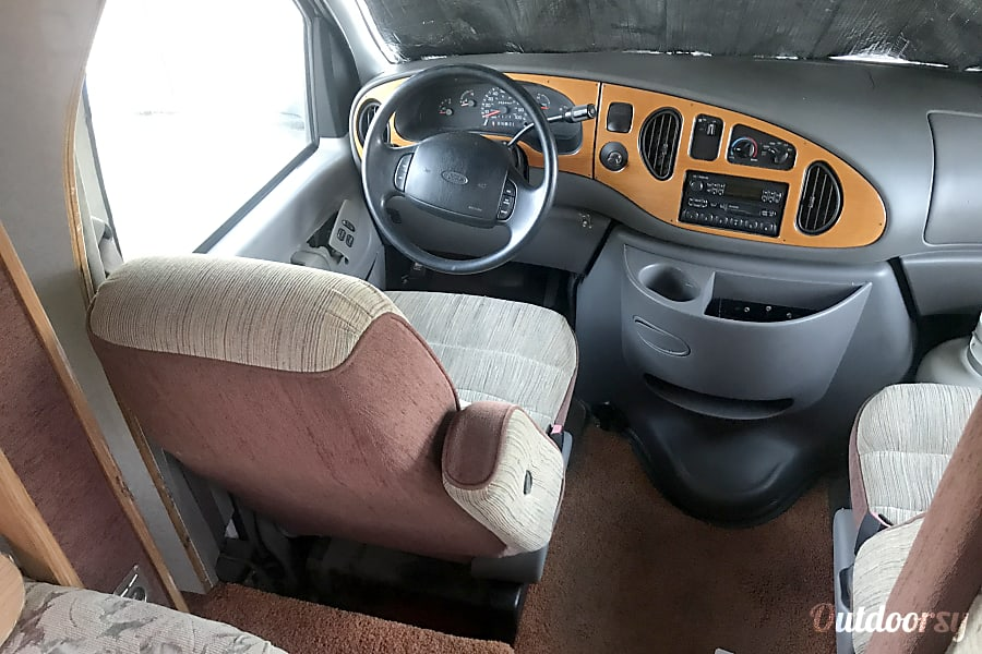 1998 Ford tioga Albuquerque, NM Here is the most important seat in the house, the driver seat, all seats have seat belts, front and back.