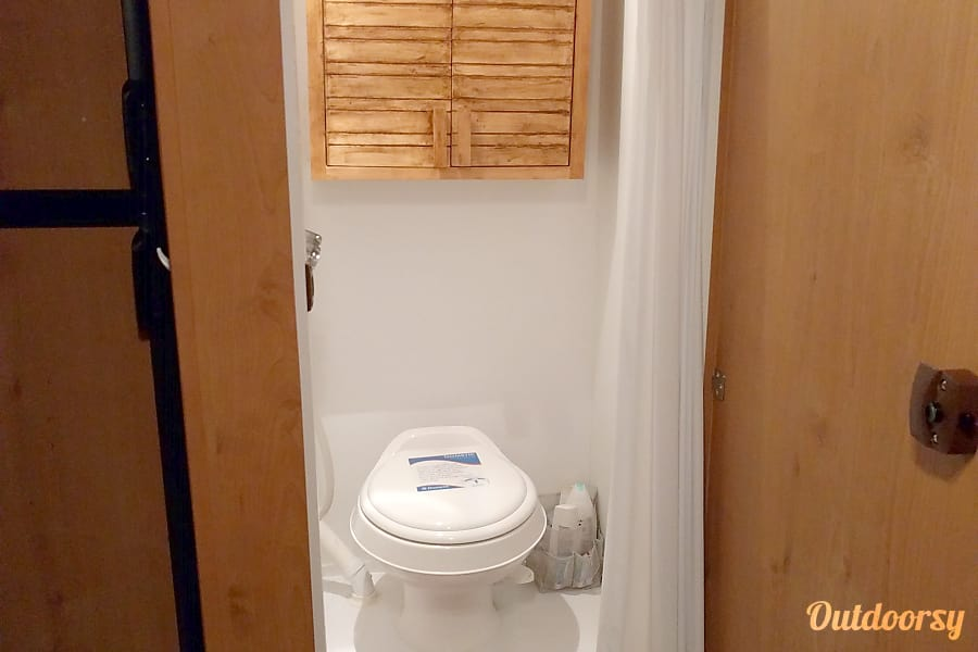 Mini Pearl: Vintage style meets modern functionality & features! Located in South Austin Austin, Texas Bathroom