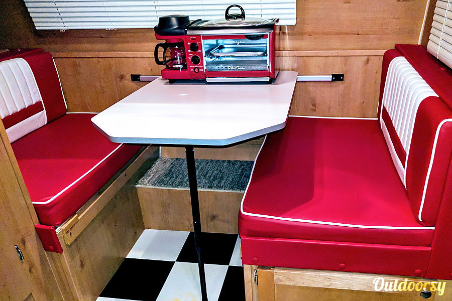 Mini Pearl: Vintage style meets modern functionality & features! Located in South Austin Austin, Texas Dinette folds into twin XL bed. Breakfast bistro with coffee pot included for your adventures!