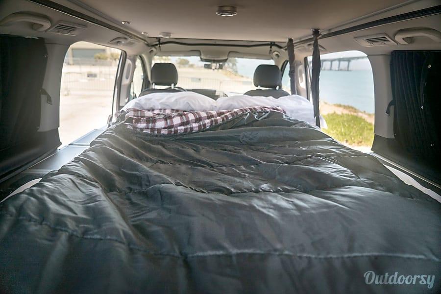 2017 mercedes benz other motor home camper van rental in for Mercedes benz camper van rental