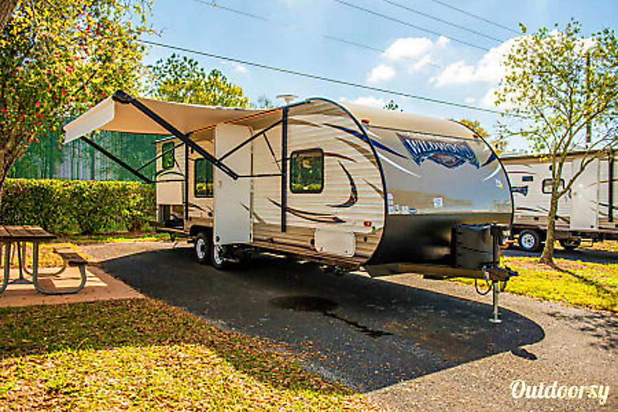 exterior 2019 Forest River Wildwood X-Lite 261BHXL Aurora, CO