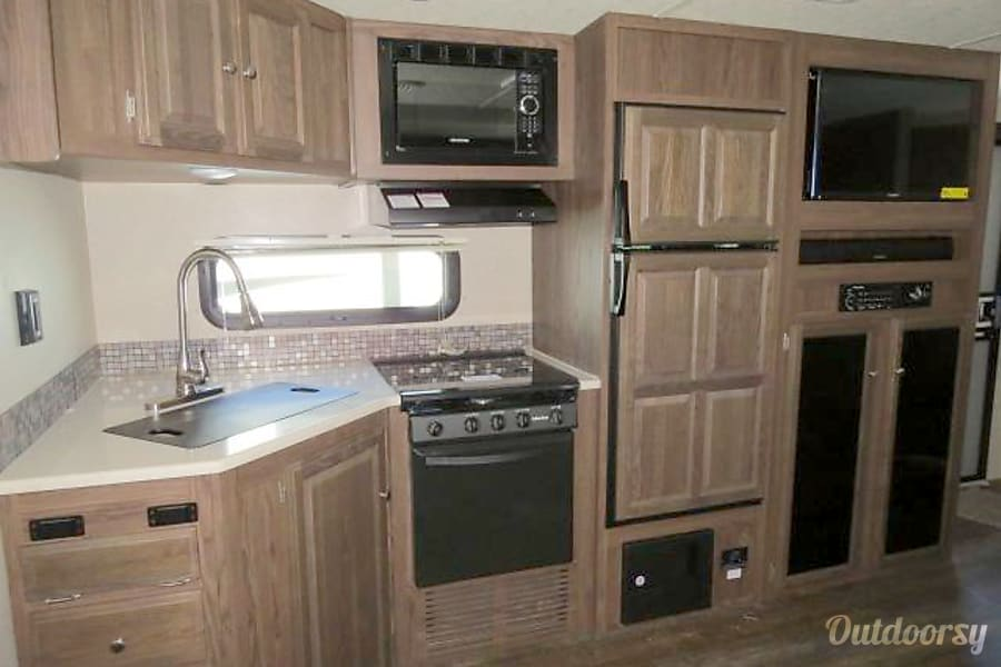 2018 Forest River Rockwood Ultra Lite Spring, TX Kitchen and entertainment center