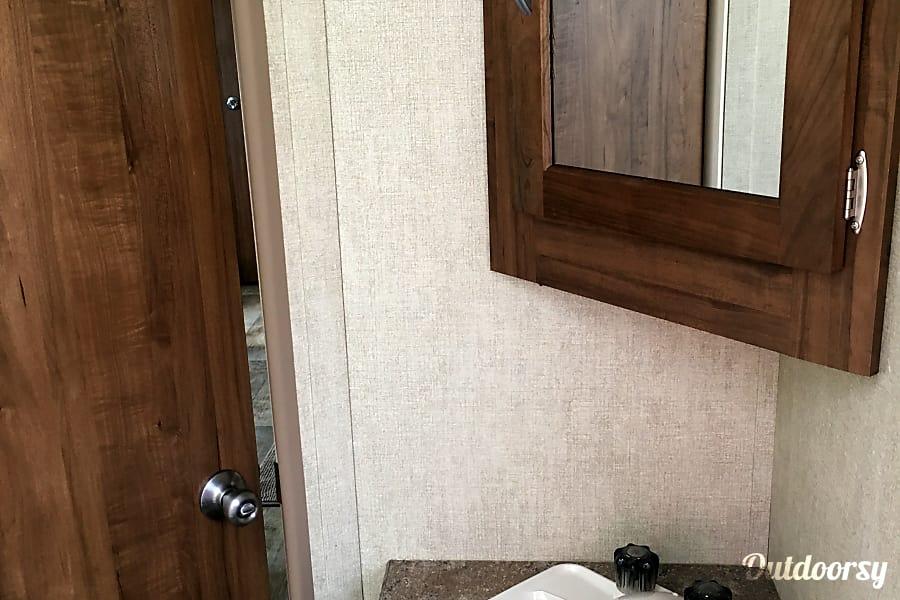 2018 Gulf Stream Kingsport Little Elm, Texas Bathroom sink.