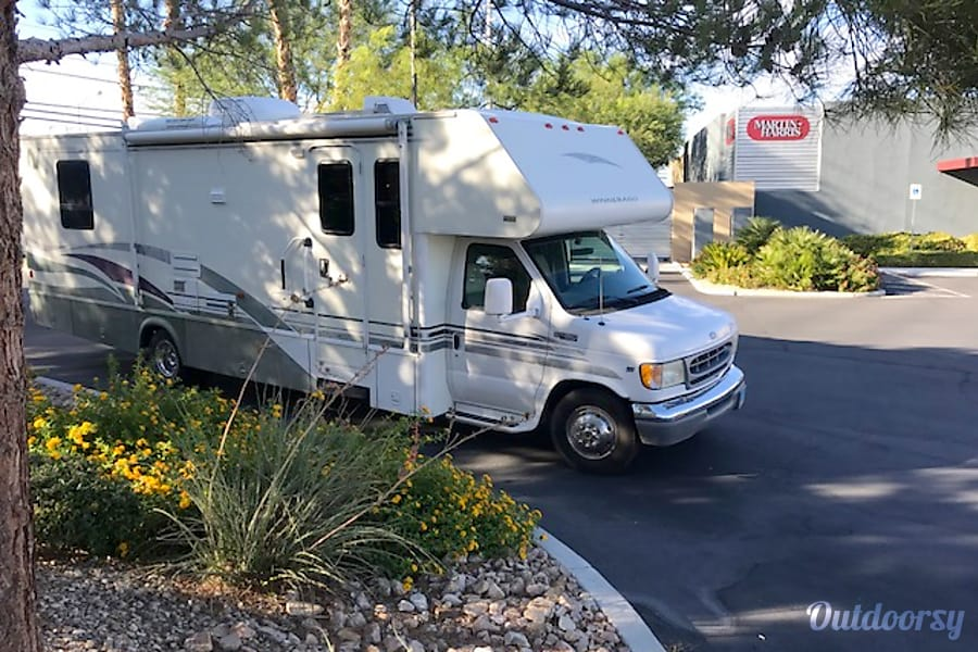 exterior 28 FT CLASS C RV SLEEPS 8 DRIVES LIKE A CAR NICK NAME (GRACY) Las Vegas, NV