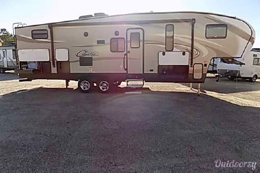 2016 Keystone Cougar Cedar Hill, Missouri
