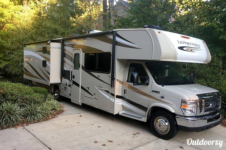 exterior 2018 Coachmen Leprechaun 310BH Mooresville, NC