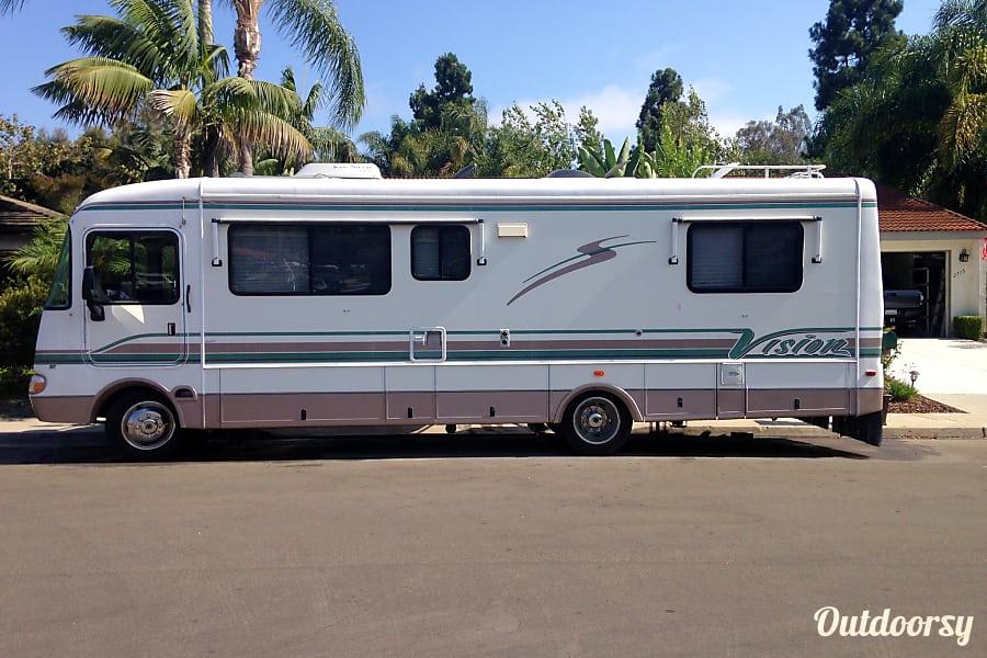 2000 Rexhall Vision V29 San Marcos, CA