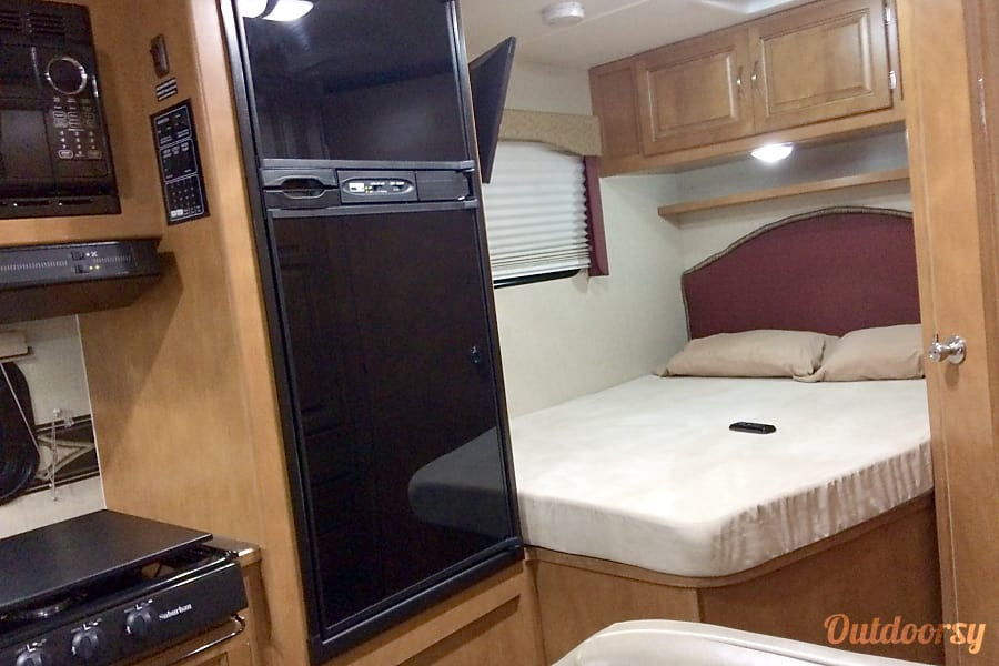 interior WINNEBAGO SPIRIT 22R St. Augustine, FL