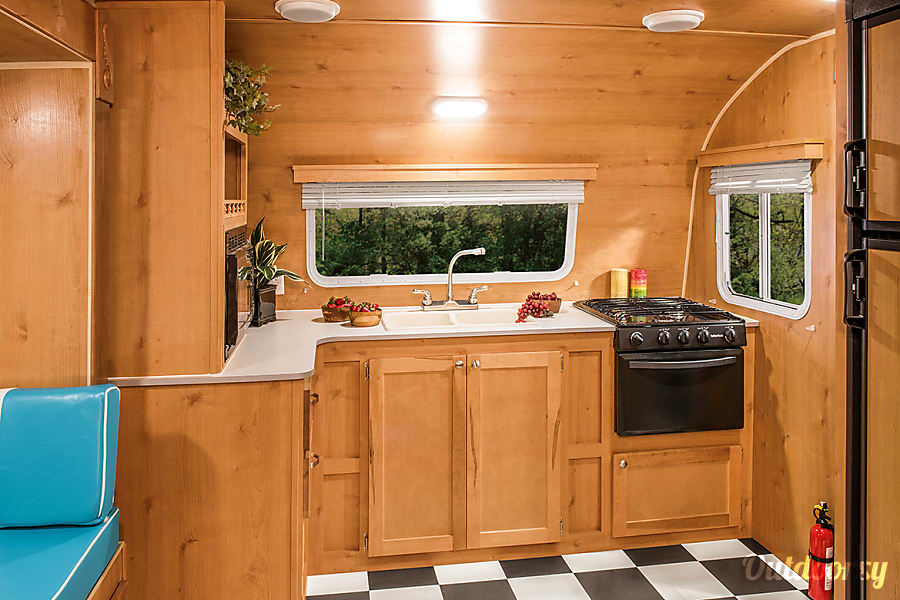 New Whitewater Retro Trailer at Best Las Vegas Campground... Oasis RV Resort !!! Las Vegas, NV