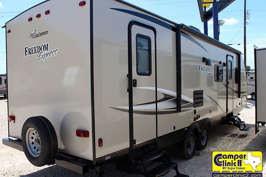 2018 Coachmen Freedom Express 28SE Buda, TX Front and rear access