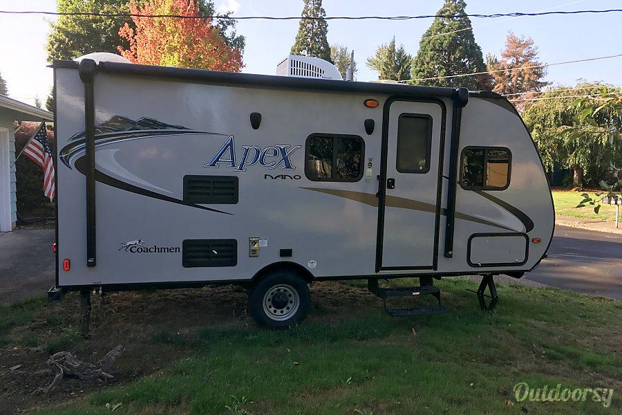 exterior 2016 Coachmen Apex Salem, Oregon