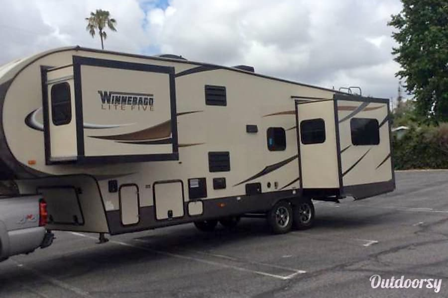 2015 Winnebago Ultralite Harbor City, CA