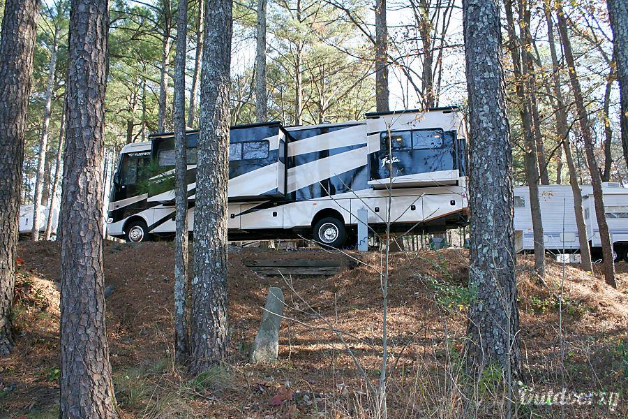 exterior Fleetwood Fiesta 34B Bunkhouse - Free delivery and set-up! Calhoun, GA