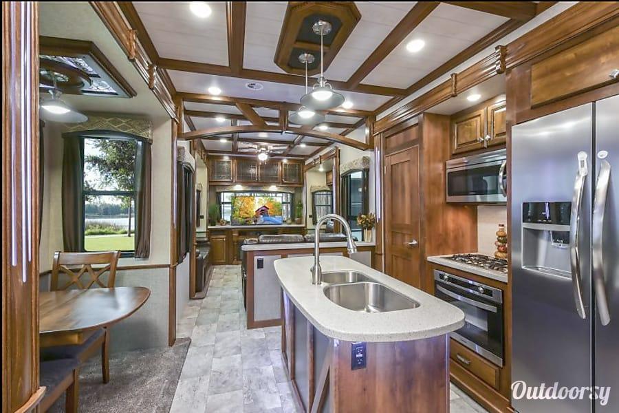 2018 heartland bighorn fifth wheel rental in leander tx for Fifth wheel with bonus room