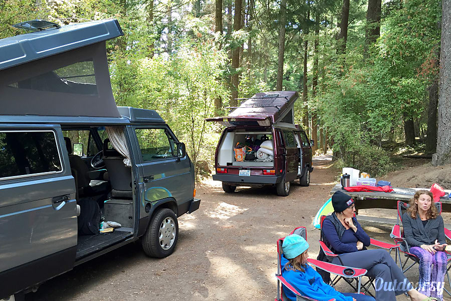 Peace Vans #3: Nisqually - 1987 Volkswagen Vanagon Full Camper (Manual Transmission!) Seattle, WA