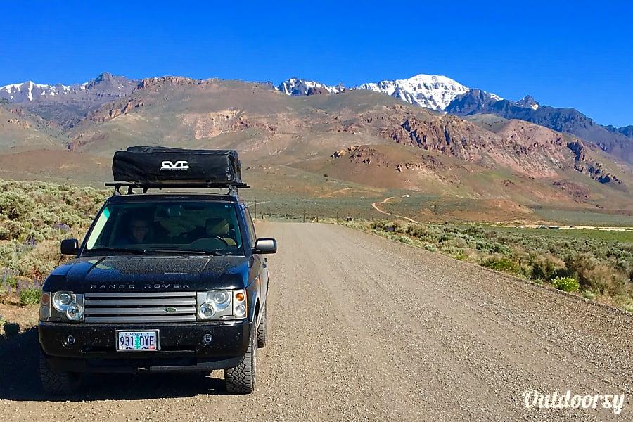 exterior Land Rover camper Portland, OR