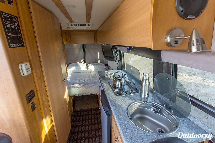 2009 Mercedes Benz Sprinter Motor Home Camper Van Rental In Portland Or Outdoorsy