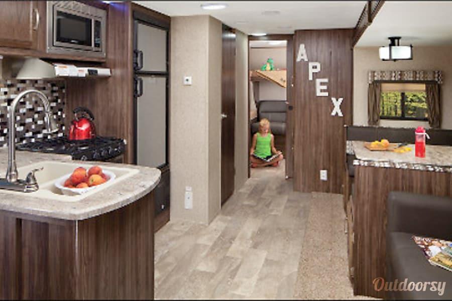 Apex 289TBSS Denver, CO Living Room