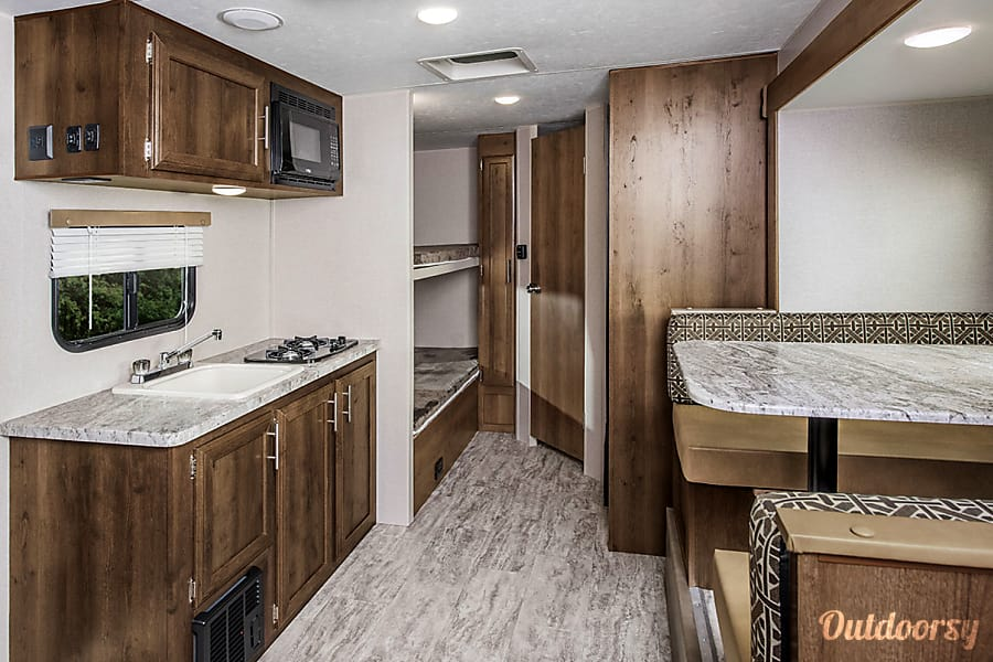 interior 2018 KZ Escape 191BH, bunkhouse, queen bed, electric awning and slide out Arvada, CO